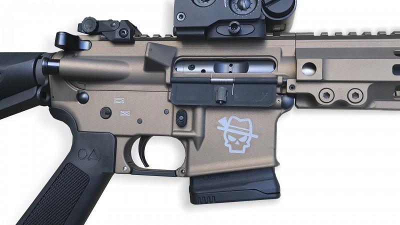 Lasergravur mit Tactical Sepp 1.0, 2.0 oder Ihrem Motiv auf Magazinschacht